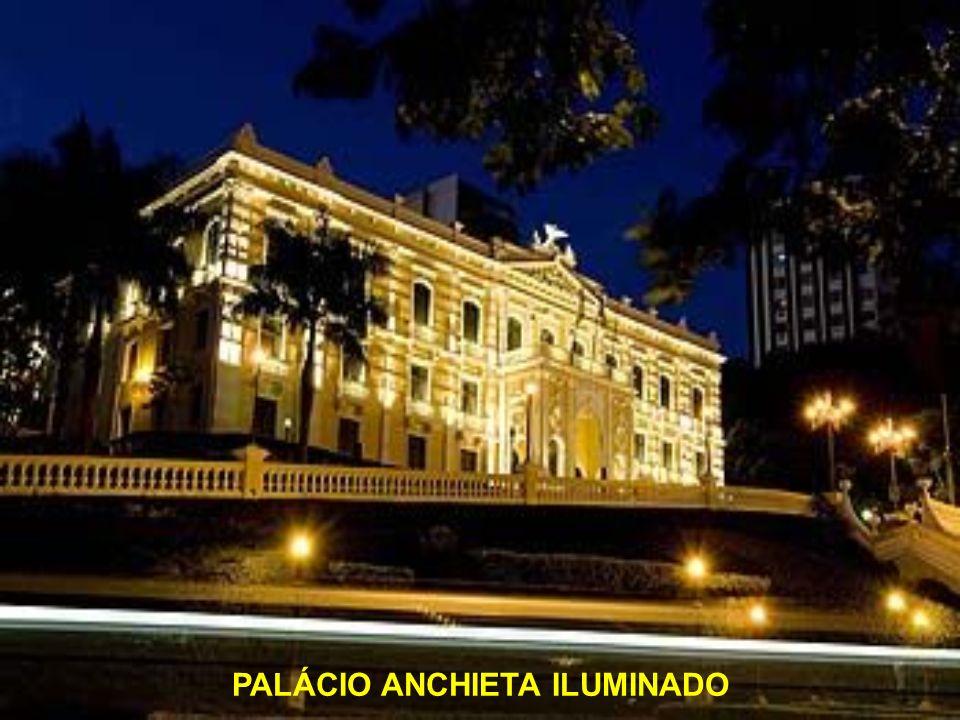 PALÁCIO ANCHIETA ILUMINADO