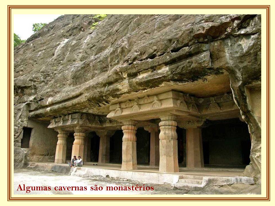 Algumas cavernas são monastérios