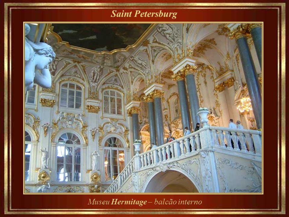 Saint Petersburg Museu Hermitage – balcão interno