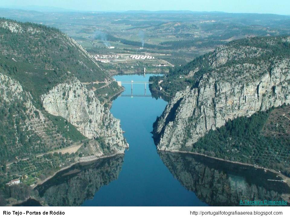 A Terceira Dimensão Rio Tejo - Portas de Ródão http://portugalfotografiaaerea.blogspot.com