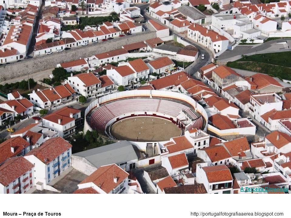 A Terceira Dimensão Moura – Praça de Touros http://portugalfotografiaaerea.blogspot.com