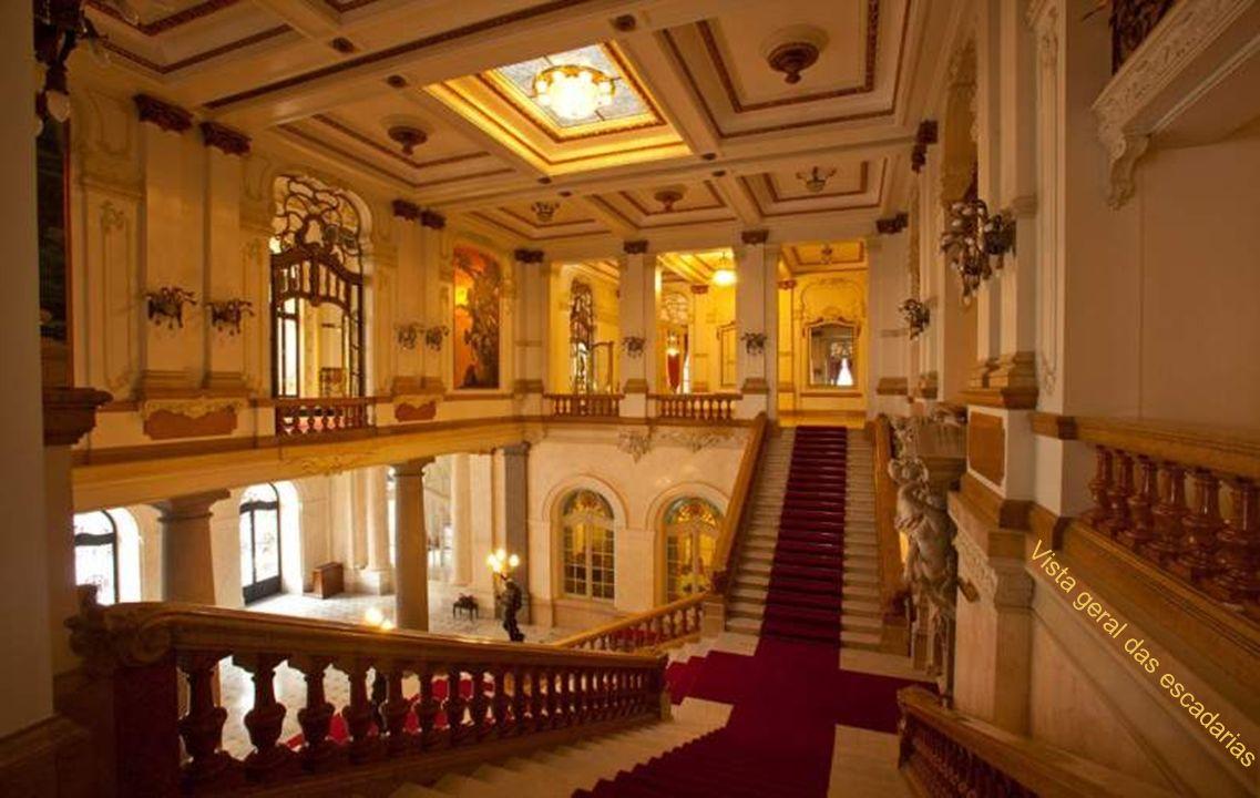 Vista geral das escadarias