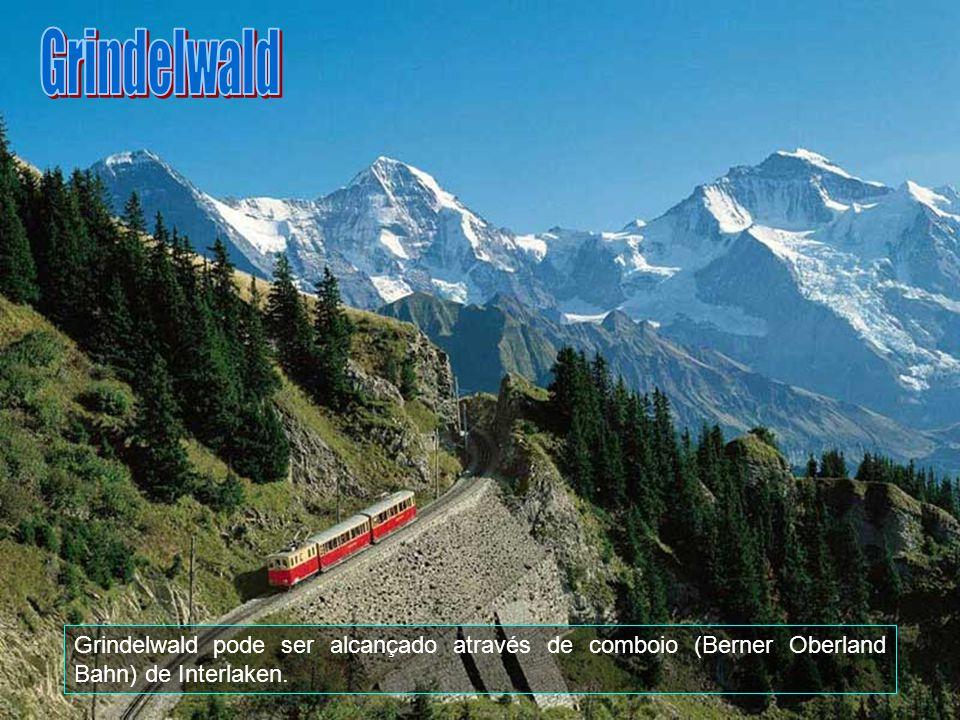 Grindelwald Grindelwald pode ser alcançado através de comboio (Berner Oberland Bahn) de Interlaken.