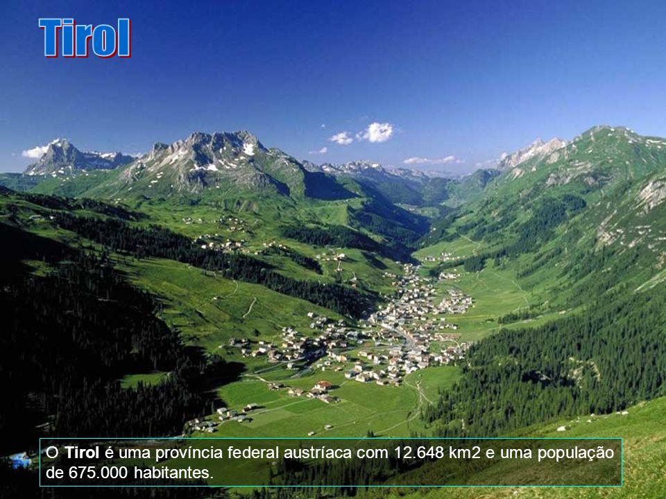 Tirol O Tirol é uma província federal austríaca com 12.648 km2 e uma população de 675.000 habitantes.