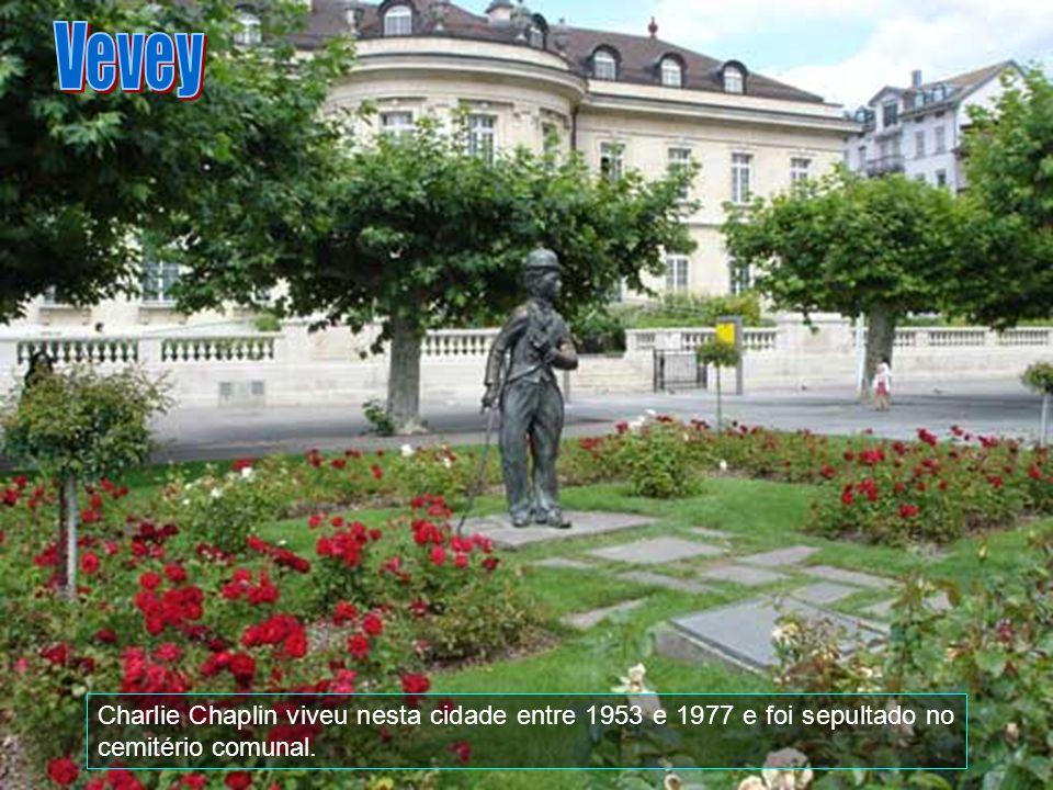 Vevey Charlie Chaplin viveu nesta cidade entre 1953 e 1977 e foi sepultado no cemitério comunal.