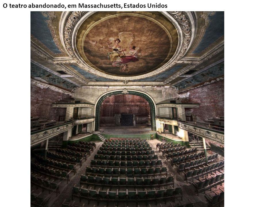 O teatro abandonado, em Massachusetts, Estados Unidos