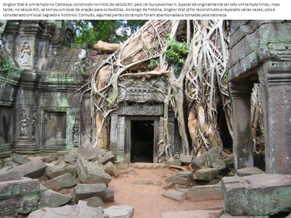 Angkor Wat é um templo no Camboja, construído no início do século XII, pelo rei Suryavarman II.