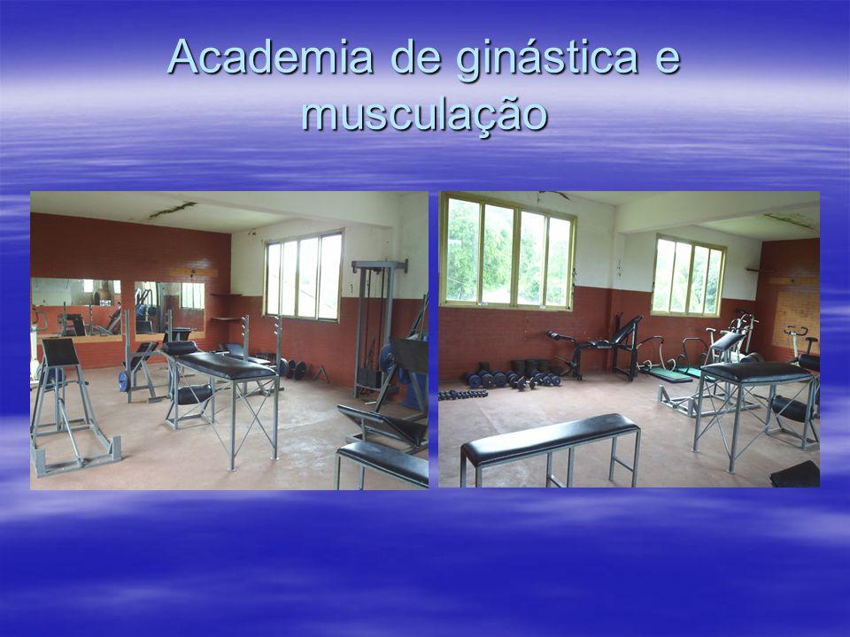 Academia de ginástica e musculação