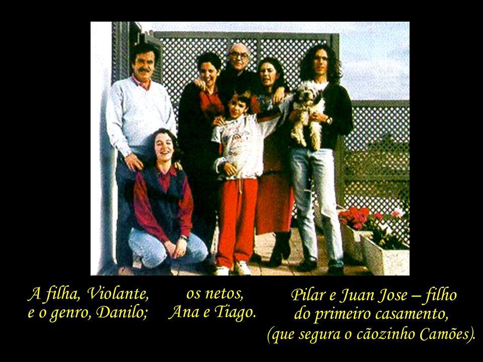 A filha, Violante, e o genro, Danilo; os netos, Ana e Tiago.