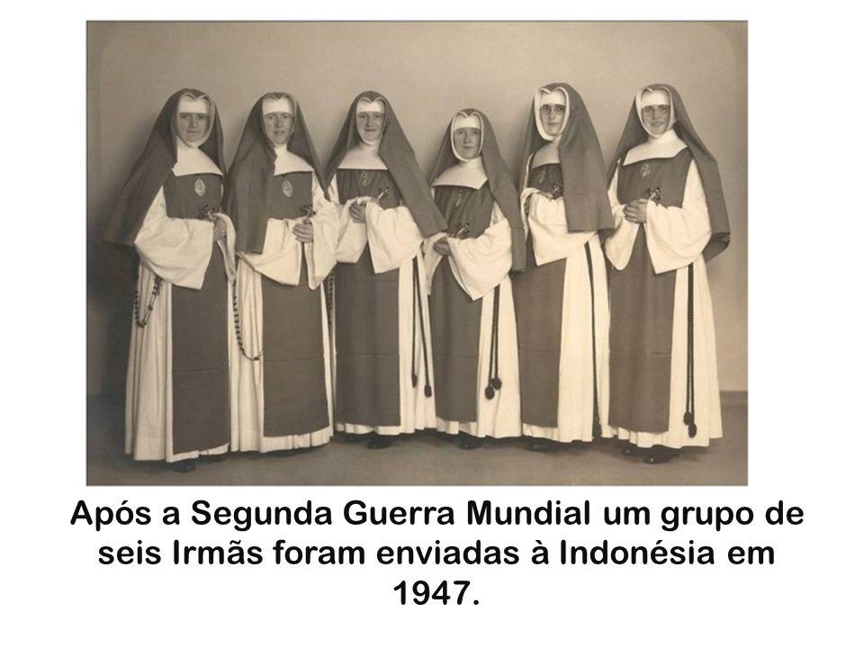 Após a Segunda Guerra Mundial um grupo de seis Irmãs foram enviadas à Indonésia em 1947.