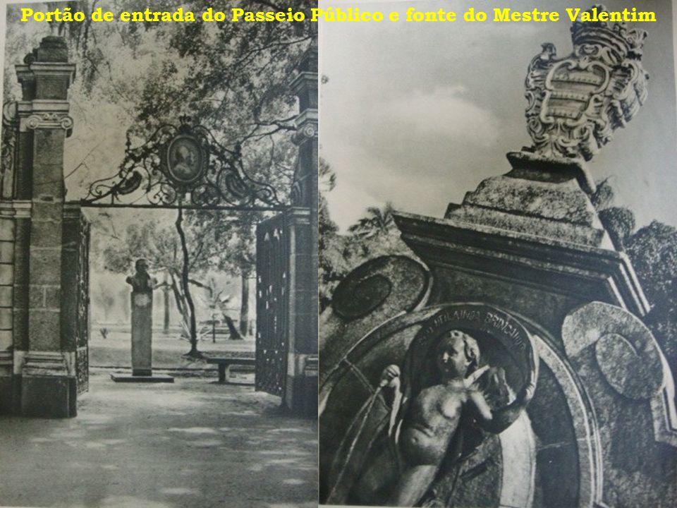 Portão de entrada do Passeio Público e fonte do Mestre Valentim
