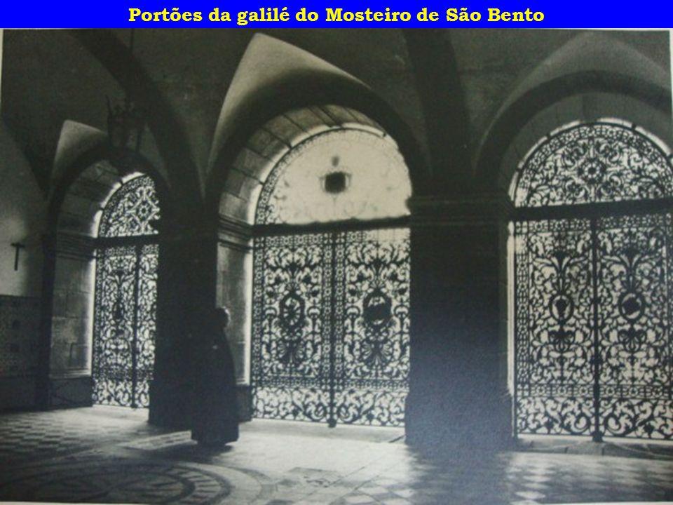 Portões da galilé do Mosteiro de São Bento