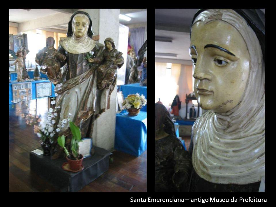a Santa Emerenciana – antigo Museu da Prefeitura