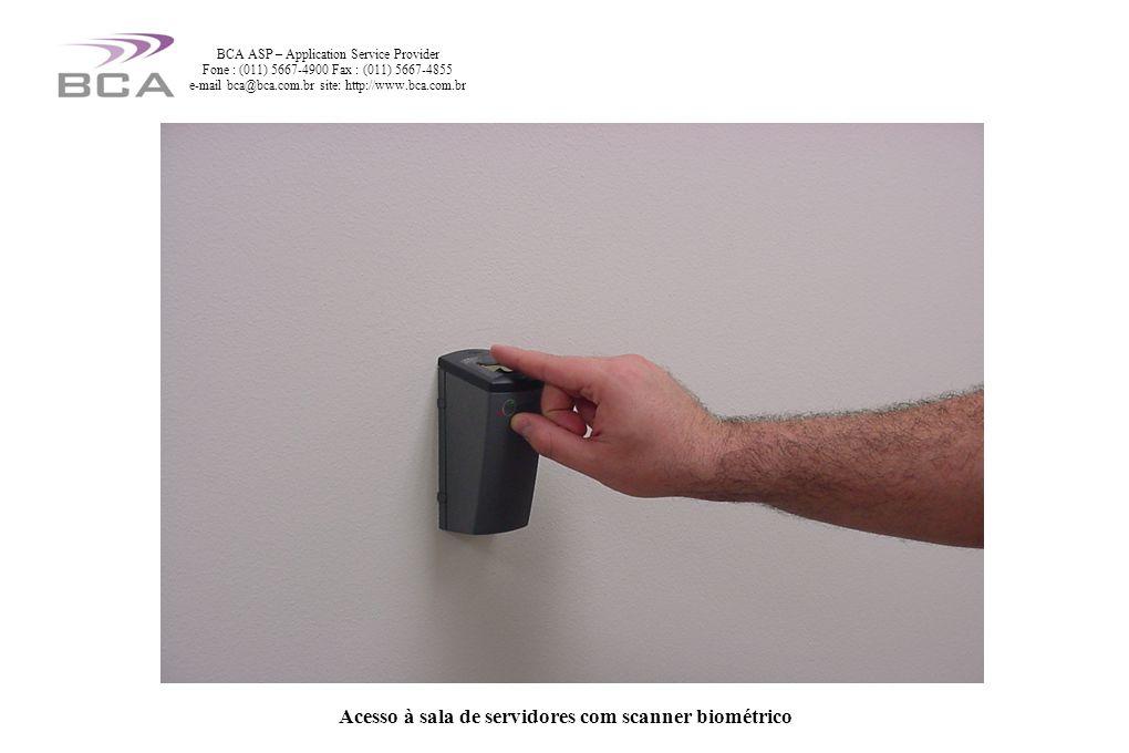 Acesso à sala de servidores com scanner biométrico