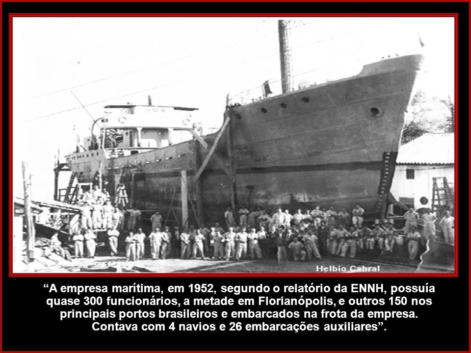 Rita Maria - Navio puxado no Arataca - anos de 1950.