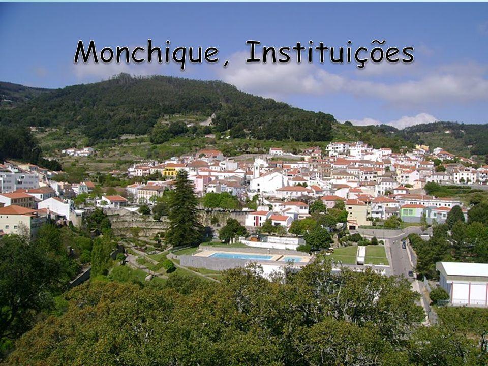 Monchique, Instituições