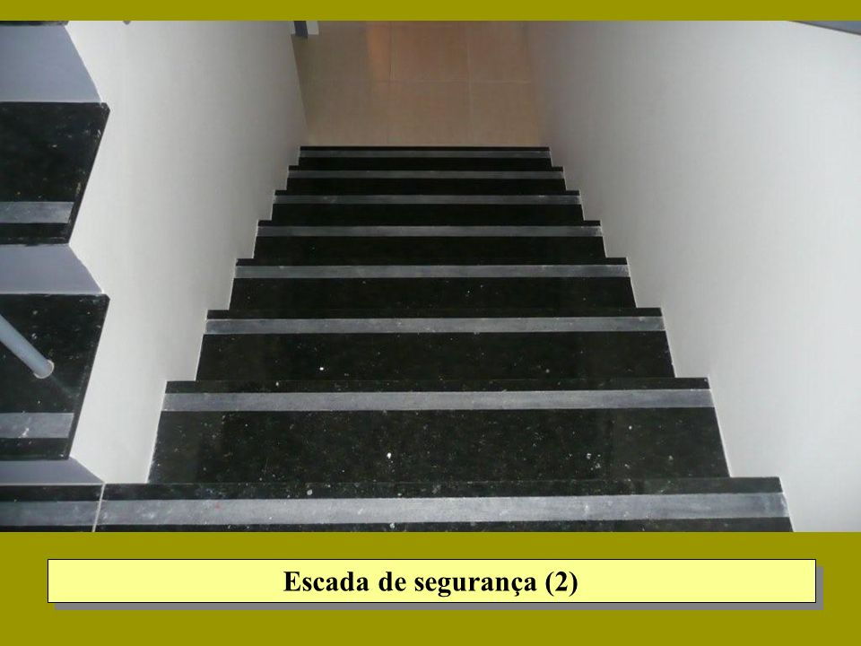Escada de segurança (2)