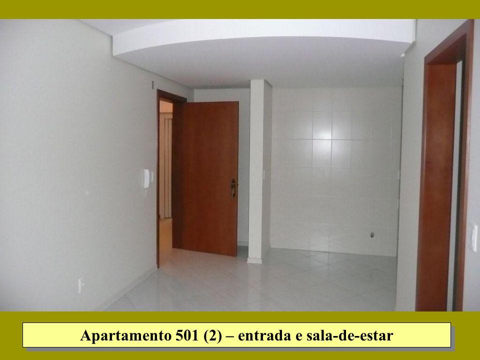 Apartamento 501 (2) – entrada e sala-de-estar