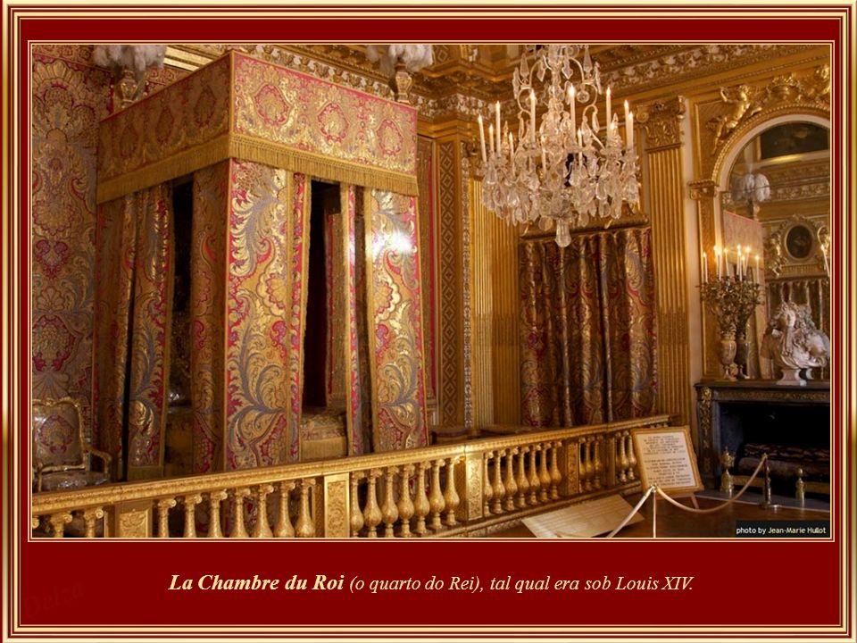 La Chambre du Roi (o quarto do Rei), tal qual era sob Louis XIV.