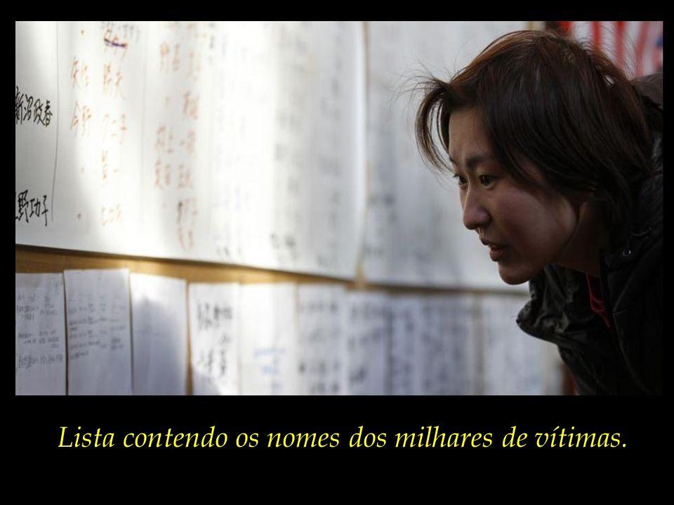 Lista contendo os nomes dos milhares de vítimas.