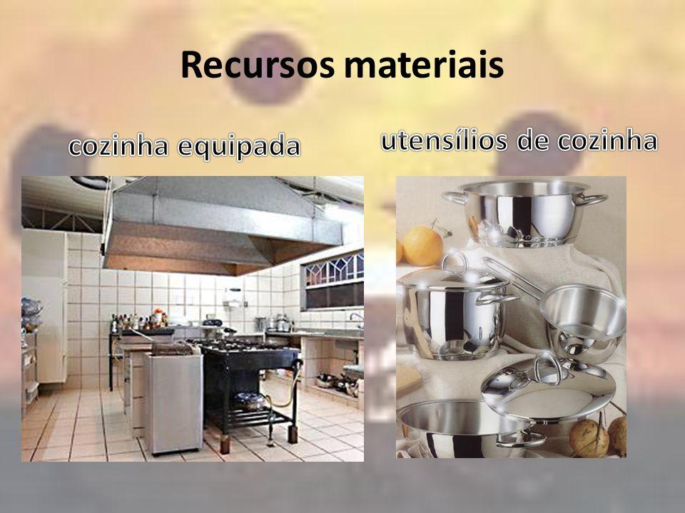 Recursos materiais utensílios de cozinha cozinha equipada