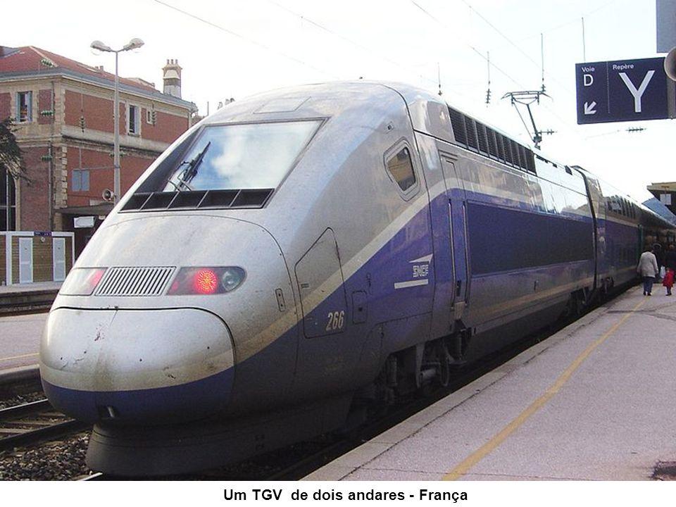 Um TGV de dois andares - França