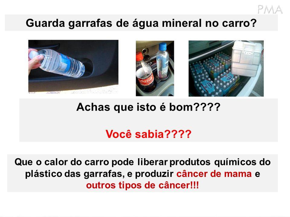 Guarda garrafas de água mineral no carro