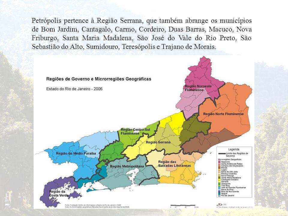Petrópolis pertence à Região Serrana, que também abrange os municípios de Bom Jardim, Cantagalo, Carmo, Cordeiro, Duas Barras, Macuco, Nova Friburgo, Santa Maria Madalena, São José do Vale do Rio Preto, São Sebastião do Alto, Sumidouro, Teresópolis e Trajano de Morais.