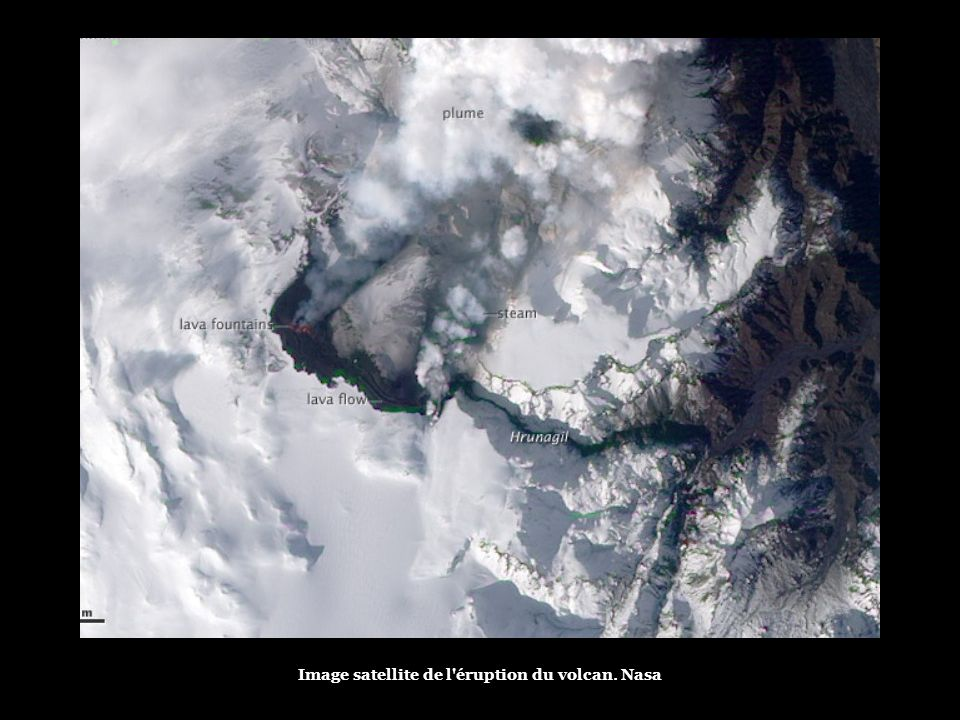 Image satellite de l éruption du volcan. Nasa