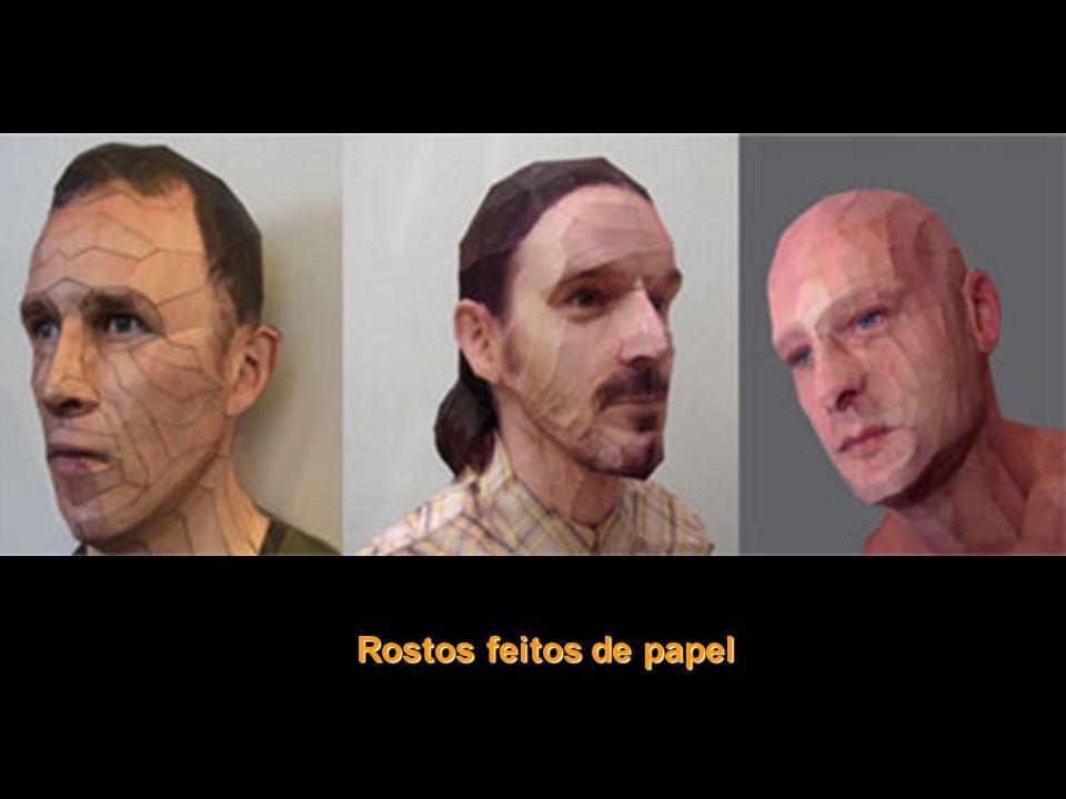 Rostos feitos de papel
