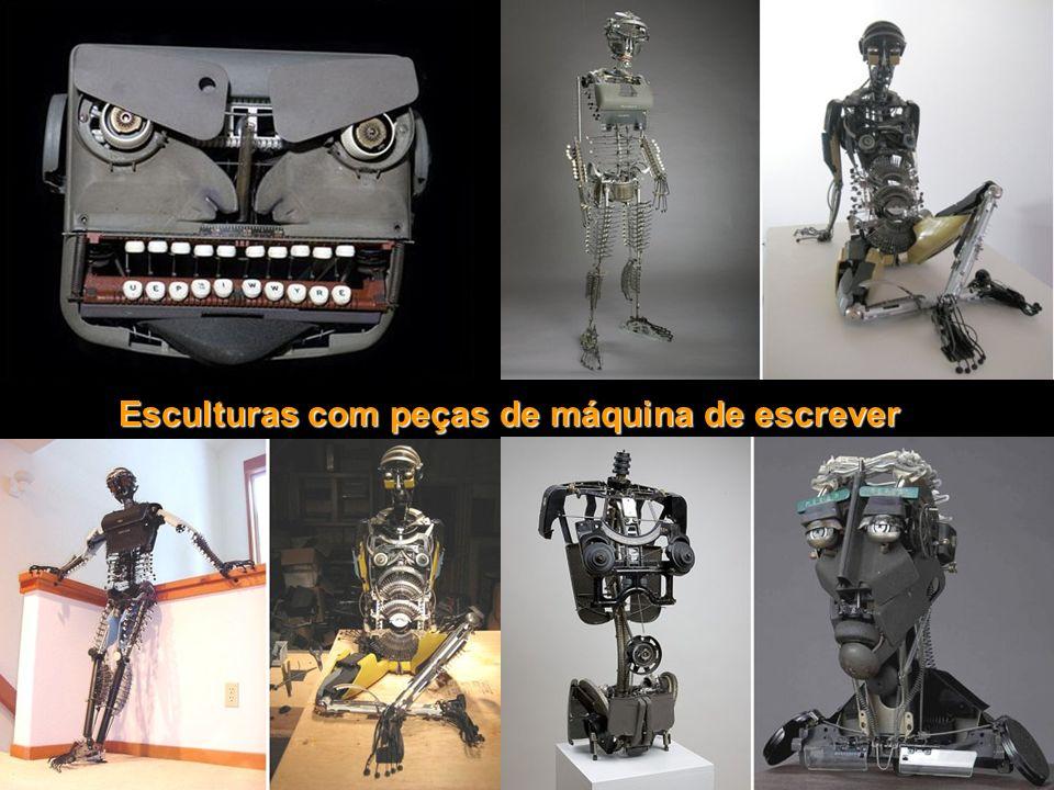 Esculturas com peças de máquina de escrever