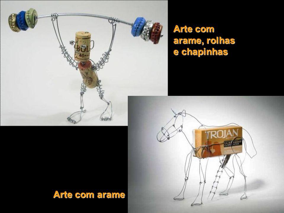 Arte com arame, rolhas e chapinhas