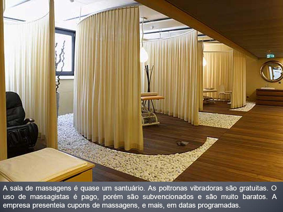 A sala de massagens é quase um santuário