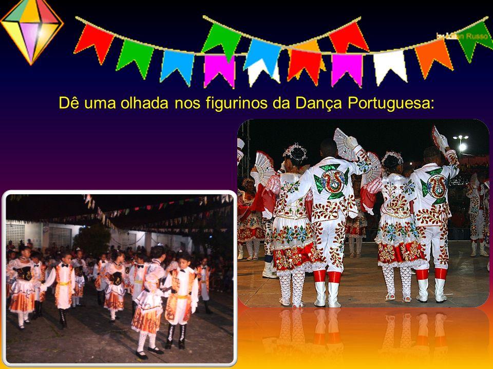 Dê uma olhada nos figurinos da Dança Portuguesa: