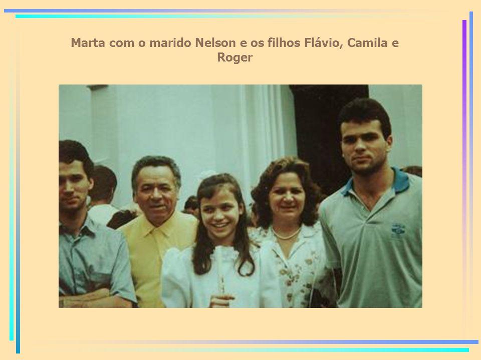 Marta com o marido Nelson e os filhos Flávio, Camila e Roger