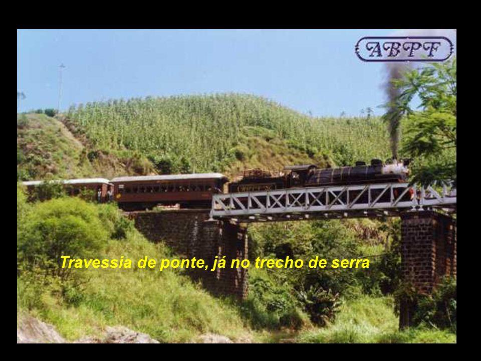 Travessia de ponte, já no trecho de serra