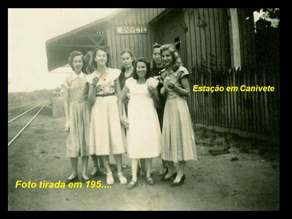 . Estação em Canivete Estação de Canivete Foto tirada em 195....