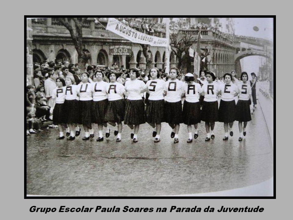 Grupo Escolar Paula Soares na Parada da Juventude