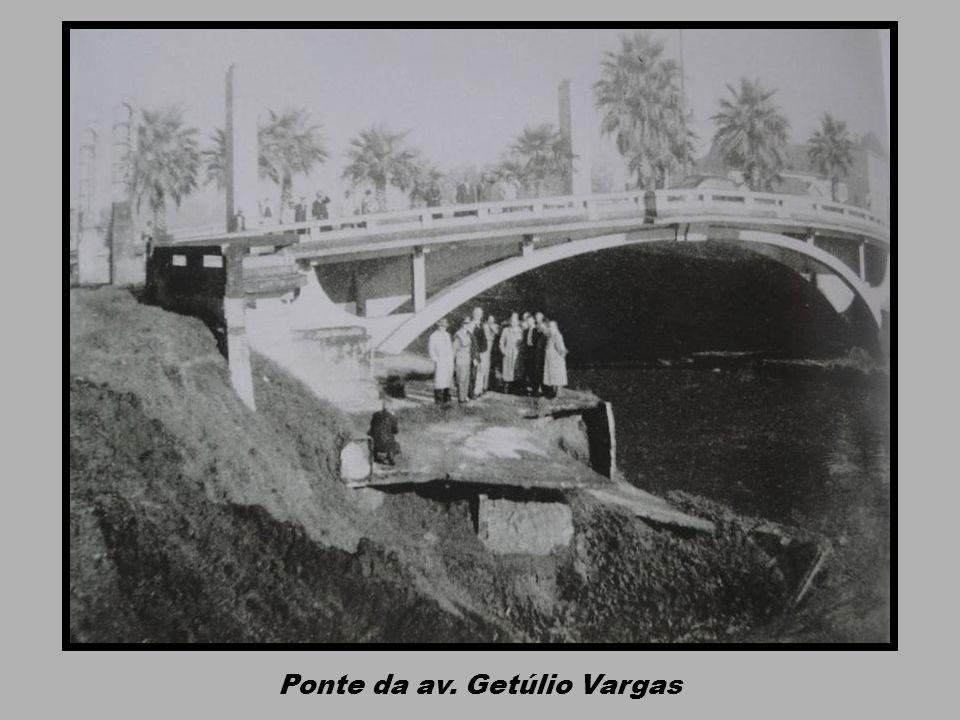 Ponte da av. Getúlio Vargas