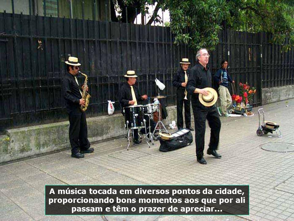 P0009225 - CHILE-SANTIAGO - MÚSICOS NA RUA