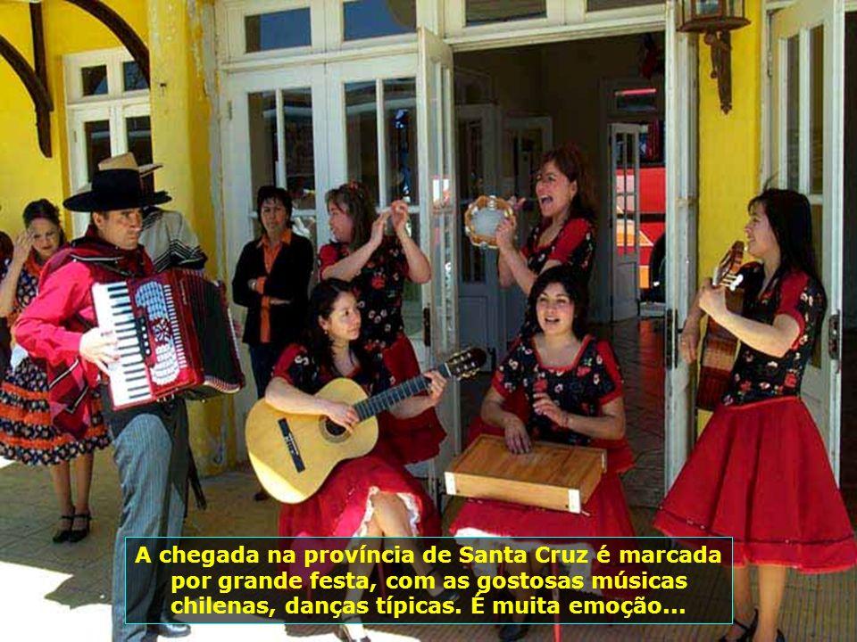 P0008798 - CHILE-SANTA CRUZ - FESTA NA ESTAÇÃO DE TREM