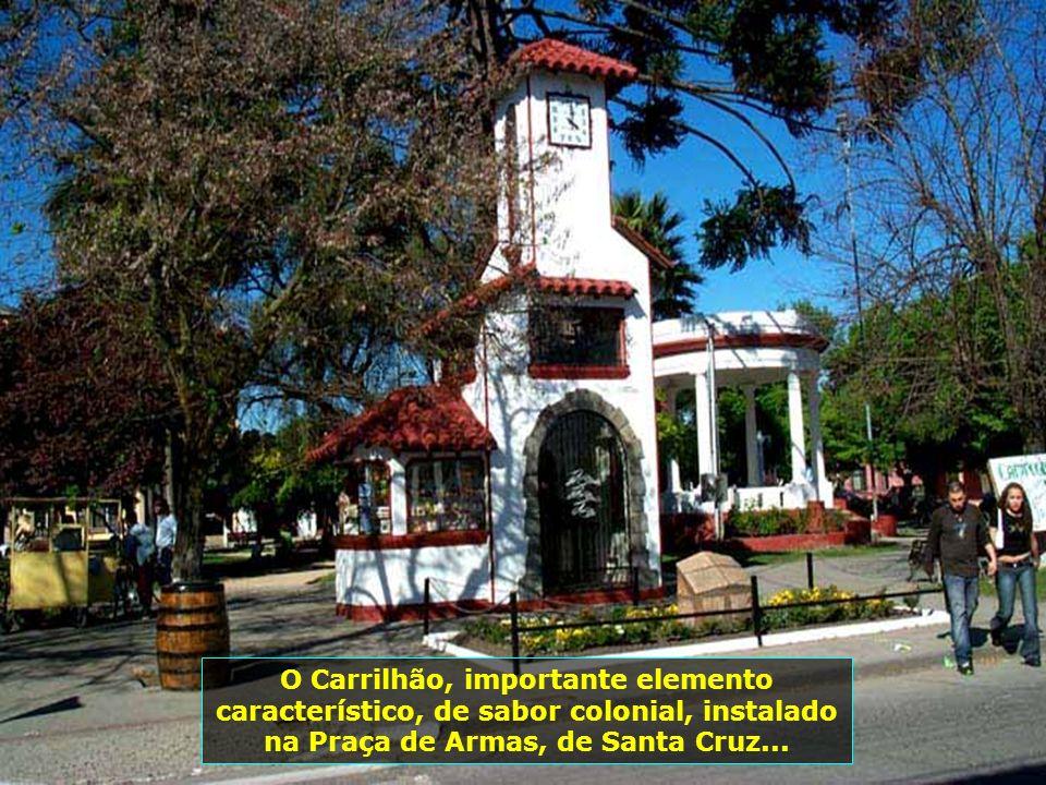 P0008833 - CHILE-SANTA CRUZ - CARRILHÃO NA PRAÇA DE ARMAS