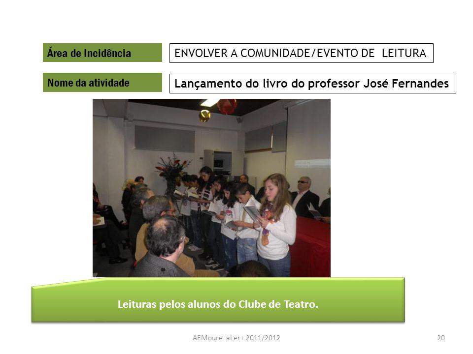 Leituras pelos alunos do Clube de Teatro.