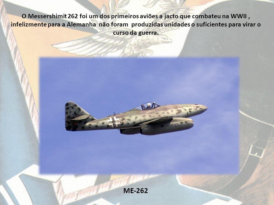 O Messershimit 262 foi um dos primeiros aviões a jacto que combateu na WWII , infelizmente para a Alemanha não foram produzidas unidades o suficientes para virar o curso da guerra.
