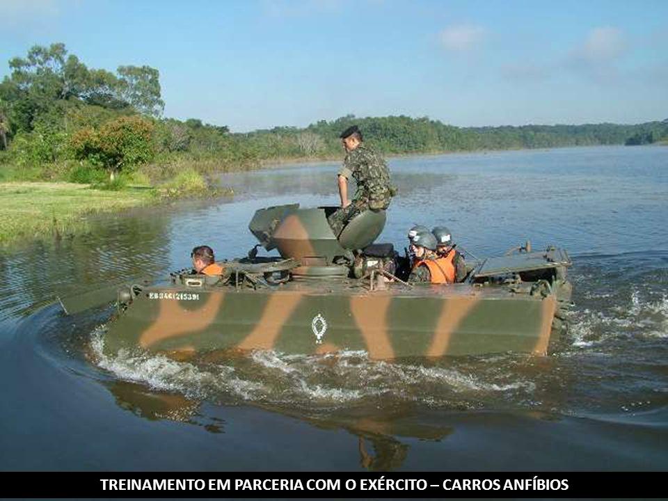 TREINAMENTO EM PARCERIA COM O EXÉRCITO – CARROS ANFÍBIOS