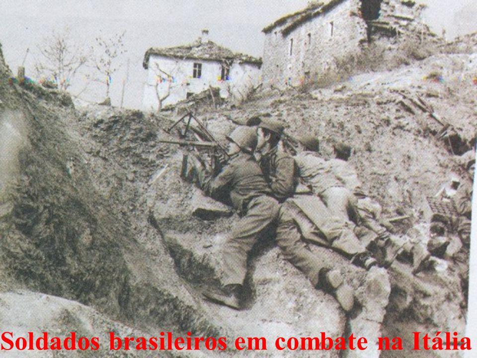 Soldados brasileiros em combate na Itália