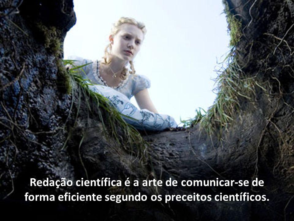 Alice no país das maravilhas (2010), de Tim Burton