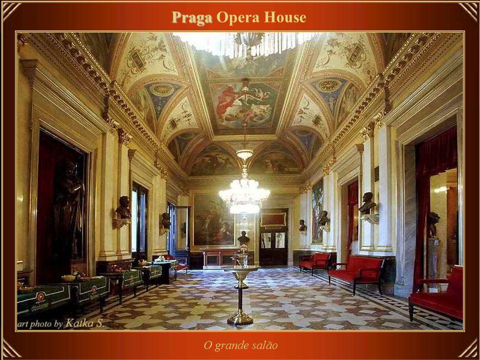 Praga Opera House O grande salão