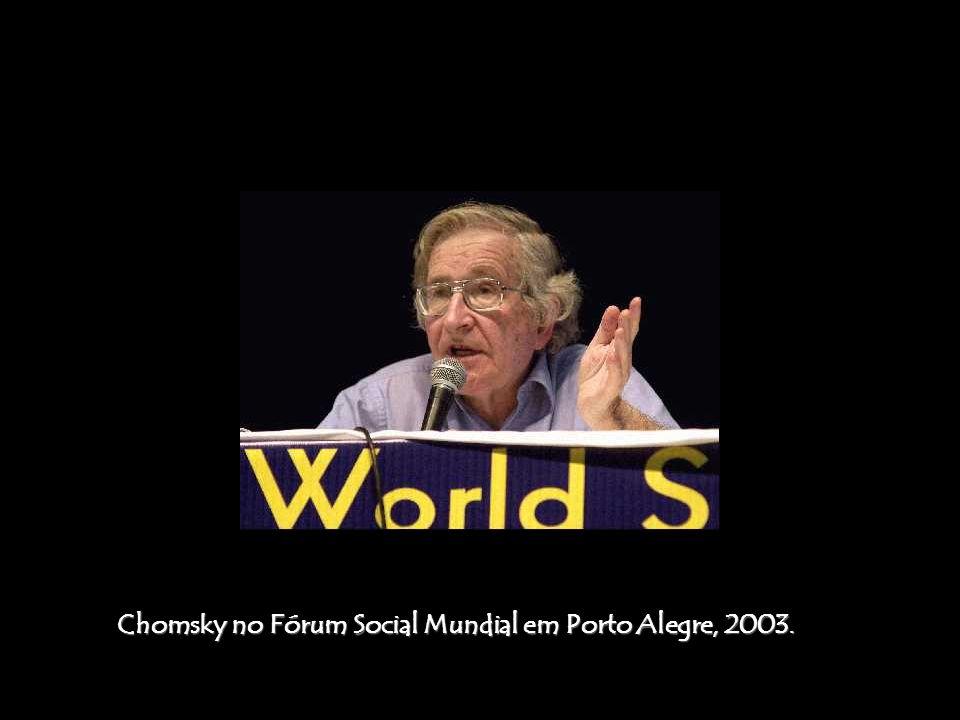Chomsky no Fórum Social Mundial em Porto Alegre, 2003.