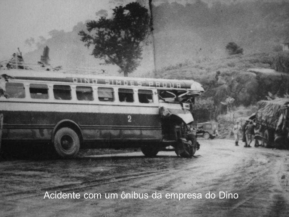 Acidente com um ônibus da empresa do Dino